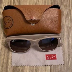 Ray•Ban polarized with case and cleaning towel